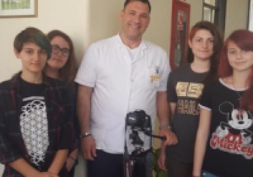 Posjet učenica filmske sekcije Opće gimnazije Dubrovnik ravnateljstvu opće bolnice…