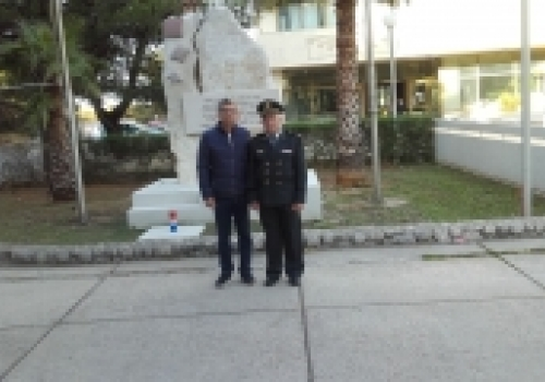 Pripadnici 145. brigade HV-a, poklonili se ispred spomen ploče Ratne…